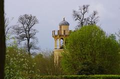 Versailles - 07 dans le parc du Chteau, la ferme de Marie-Antoinette (paspog) Tags: france spring versailles april avril chteau parc printemps marieantoinette frhling 2016 chteaudeversailles