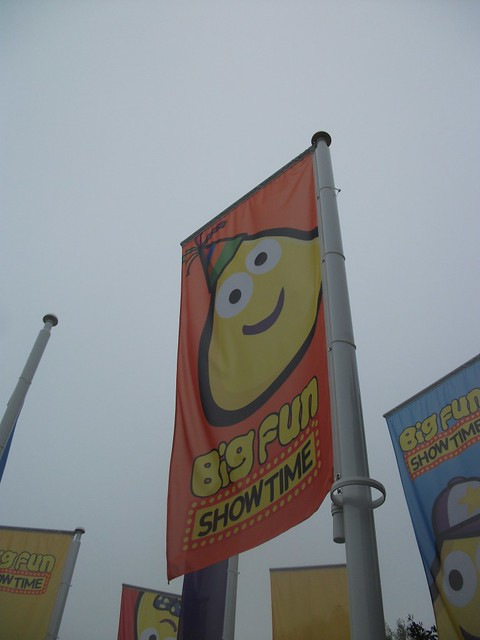 Big Fun Showtime - Flags