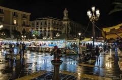 Piazza Stesicoro... (Peppis) Tags: night nikon nightlights nightshot sicily notte catania sicilia piazzastesicoro centrostorico nightimage fotonotturne peppis senzaflash hccity fotosicule nikond7000