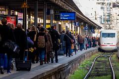 Friday Afternoon (ToDoe) Tags: ice track stuttgart weekend hauptbahnhof mainstation centralstation freitag bahnsteig wochenende koffer fridayafternoon gleis reisende stuttgart21 freitagnachmittag stuttgarthauptbahnhof
