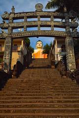 Kande Viharaya Temple (stevepamp) Tags: travel statue temple gate buddha buddhist religion olympus staircase srilanka buddhisttemple ep3 aluthgama stevepamp olympusep3