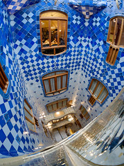 """Casa Battlo • <a style=""""font-size:0.8em;"""" href=""""http://www.flickr.com/photos/46117608@N04/25403179120/"""" target=""""_blank"""">View on Flickr</a>"""