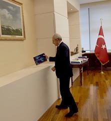 NAZIM HIKMET KULTUR VE SANAT VAKFI YONETICILERININ ZIYARETI (FOTO) (CHP FOTOGRAF) Tags: sol turkey kultur turkiye chp ankara cumhuriyet politika aziz nazim parti kemal sanat tbmm meclis sosyal hikmet siyaset rutkay vakif kilicdaroglu sosyaldemokrasi