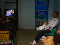 Havana. Cuba (H.L.Tam) Tags: street havana cuba documentary sketchbook boxing cuban tvset photodocumentary iphone6s harbana boxingincuba