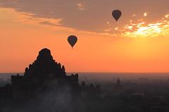 Dhammayangyi at sunrise (deus77) Tags: sunset mist hot fog sunrise balloons landscape temple scenery view burma air balloon myanmar burmese plain bagan dhammayangyi