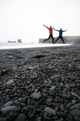 Jumping at Black Sand Beach. (angie_dj) Tags: naturaleza black cold beach nature iceland islandia jumping stones vik