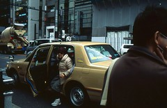 Taxi. (monkeyanselm) Tags: camera leica holiday film japan analog december fujifilm ttl provia summilux m6 asph 2015 35mmf14 058x