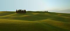 I Cipressi (judith.kuhn) Tags: spring bluesky hills tuscany valdorcia cypresses blauerhimmel frhling toskana greengrass hgel zypressen grnesgras