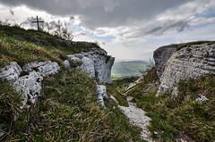Passo del Trabocchetto (Skiwalker79) Tags: italy panorama mountains trekking landscape nikon italia hiking montagna marche montefeltro carpegna montecarpegna