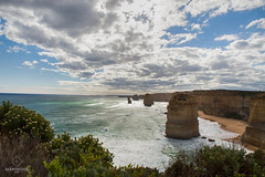 W-IMG_5737 (baroudeuses_voyage) Tags: ocean road sea beach londonbridge rocks oz cove great meadow australia roadtrip victoria cliffs van greatoceanroad 12apostles apostles australie gor elgrotto