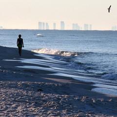 blue horizon (weltreisender2000) Tags: santa blue beach silhouette skyline mexico waves gulf florida rosa solitary