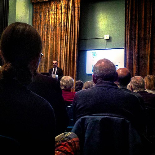 #DaytonianInManhattan #TomMiller speaking about his favorite period in #GreenwichVillage history, the three-decades or so between 1890s-1930, for #GreenwichVillageSocietyforHistoricPreservation's lecture series at #JeffersonMarketLibrary  #GVSHP