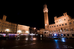 Siena. (Tristan K.) Tags: city italy tower architecture night italia tuscany citylights campo siena piazza toscana toscane italie sienne piazzadelcampo ital citynights