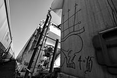 (o texano) Tags: bench graffiti texas houston trains freights irongates moniker benching
