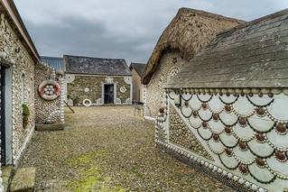Cliff Cottage-Courtyard.