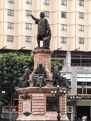 "Mexico City: statue de Christophe Colomb <a style=""margin-left:10px; font-size:0.8em;"" href=""http://www.flickr.com/photos/127723101@N04/25512945662/"" target=""_blank"">@flickr</a>"