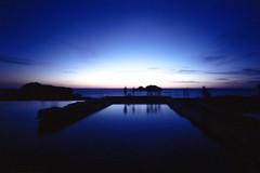 Silhouttes (-Alberto_) Tags: sanfrancisco longexposure blue seascape mediumformat 120film sutrobaths 6x9 holga120wpc