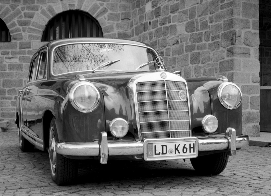 The world 39 s newest photos of mamiya and oldtimer flickr for Mercedes benz c330