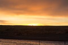Amanecer en Puerto Punta Bandera (Jos M. Arboleda) Tags: patagonia santacruz argentina canon puerto eos jose amanecer 5d lagoargentino elcalafate arboleda markiii salidadelsol ef24105mmf4lisusm puntabandera josmarboledac