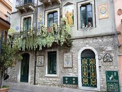 Taormina `s house (axel_barcelona) Tags: italy italia sicily taormina sicilia
