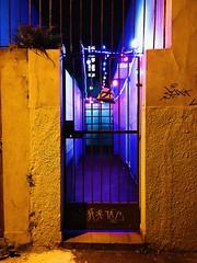 gate (pedropapini) Tags: world christmas street camera city light cidade brazil 6 color luz mobile brasil natal night saturao photography lights photo gate mood foto purple earth tag corridor saturation porta celular noite around luzes rua paulo fotografia terra sao mundo corredor movel iphone portao