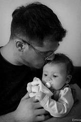 Parenthood (Lalykse) Tags: portrait bw baby white man black parenthood 35mm hug kiss dad noir father daughter babygirl bisou papa cedric fille blanc bb homme baiser pre nikond3200 humain clin bisous parentalit emvaphotography idoline
