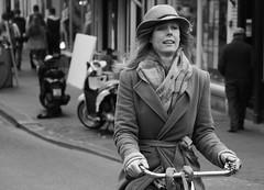 Carry On (Straatmoment) Tags: people holland netherlands amsterdam bike nederland streetphotography fiets mensen damstraat straatfotografie straatmoment hansstellingwerf