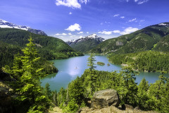 Diablo Lake Overlook (3dRabbit) Tags: park blue cloud mountain lake green pinetree forest landscape island outdoor magic hill scenic scene clear national wa mountainside noon overlook northcascades diablolakeoverlook daytimg sungjinahnphotography