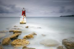 El faro .... (PITUSA 2) Tags: españa naturaleza faro mar paisaje cielo cantabria cantabrico sanvicentedelabarquera largaexposición espigón pitusa2 elsabustomagdalena