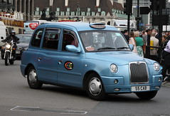 LTI TX4 London Taxi in Dial a Cab livery (Ian Press Photography) Tags: london cars car carriage cab taxi transport dial taxis international cabbie cabs livery lti tx4