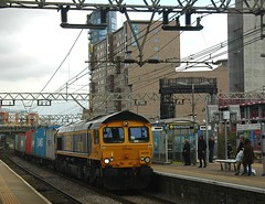 No need for wires (James Passant) Tags: uk london station train hall diesel trains 66 class container locomotive railways freight trainspotting felixstowe stratford hams intermodal gbrf 66740 4m23