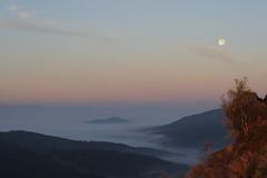 Moon in the early morning (Xtraphoto) Tags: morning moon fog forest landscape bayern bavaria mond nebel hills berge landschaft morgen morgennebel bavarianforest