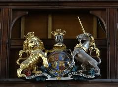 Buckingham, Buckinghamshire (Sheepdog Rex) Tags: buckingham royalarms churchofstpeterandstpaul