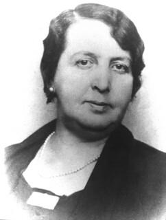 06. Su madre, Ana Cruchaga