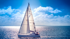 sail away (jochenlorenz_photografic) Tags: blue vacation sky sunshine clouds boat holidays meer sailing natur himmel wolken explore northsea blau capture sailaway nordsee throwback gegenlicht frontlight amrum ammeer