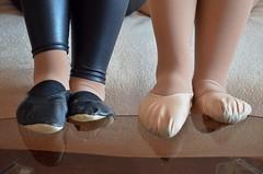 Dvojice (Merman cviky) Tags: ballet socks shoe tights socken gym pantyhose slipper nylon slippers spandex lycra medias leggings nylons gymnastic zapatillas balletslippers strumpfhose strumpfhosen ballerinas collant polainas collants cviky ballettschuhe schlppchen ballettschuh gymnastikschuhe turnschlppchen gymnasticshoes cvicky gymnasticslippers ballettschlppchen elastan legginsy pikoty punoche legny gymnastiktoffel