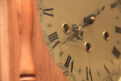 (victorcamilo) Tags: clock metal canon time romano hour hora tempo relógio oldclock canonlens ponteiros ajuste horário numerosromanos victorcamilo