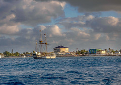 Morning at Grand Cayman (_patclancy56) Tags: caymans