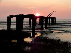 Old Jetty @ Hazy sunset (ericy202) Tags: norfolk oldjetty snettishamrspb thewashmudflats