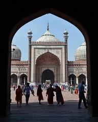 Too Many People (cn174) Tags: india delhi mosque masjid newdelhi shah jahan jama jamamasjid shahjahan mughal masjidijahnnum