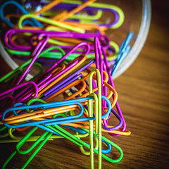 (73/366) Paperclips (100/365) (MJ Klaver) Tags: photoaday paperclips multicolor czj carlzeissjena project365 oldlens ausjena manualfocuslens project366 carlzeissjenasonnar135mmf35 day73366 366the2016edition 3662016 13mar16
