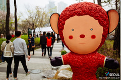 Seoul: Songpa Naru Park's Cherry Blossoms (Seoul Korea) Tags: park city beautiful asian photo spring asia capital korea korean photograph seoul cherryblossom kr southkorea  jamsil   seoulkorea republicofkorea songpagu canoneos6d flickrseoul seokchonlake sigma2470mmf28exdghsm songpanarupark iseoulu