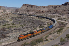 BNSF 6693 Kingman Canyon AZ (Gridboy56) Tags: railroad arizona usa america train trains locomotive ge railways bnsf locomotives generalelectric 6693 7655 railfreight citirail kingmancanyon gecx