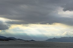 Florianpolis (mara.arantes) Tags: sea brazil sky cloud mountain storm digital landscape island nikon florianpolis paisagem