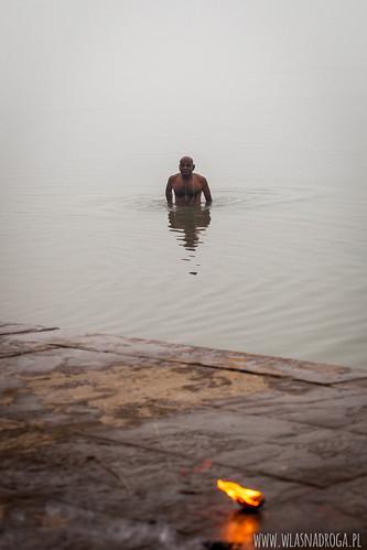 Rytualna kąpiel w Gangesie