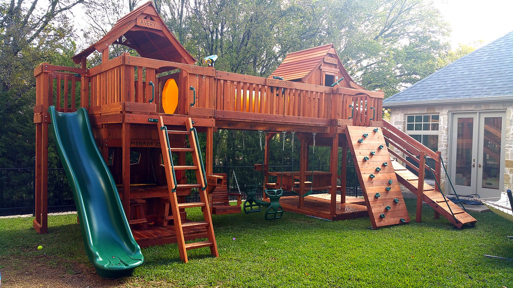 Bridged Mustang Swing Set with Crawl Tube (Backyard Fun Factory) Tags:  backyardfunfactory swingsets - The World's Best Photos Of Park And Swingset - Flickr Hive Mind