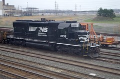 NS 3556 (Fan-T) Tags: ohio ns norfolk bn southern erie brookpark sd402 3556 8058