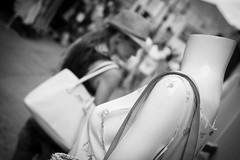 [ subtle silence ] ([ chang ]) Tags: street people blackandwhite bw woman white black byn blanco mannequin girl bag person persona donna women shot gente head negro bn persone silence dummy borsa bianco nero ragazza streetshot silenzio testa isoladelba manichino capoliveri wwwriccardoromanocom