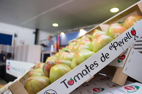 IV Subasta Solidaria del primer lote de tomate de la temporada. El Perelló (25-04-2016)
