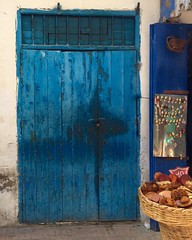 Essaouira (yaelgasnier) Tags: door travel blue square colorfull morocco squareformat maroc marrakech marruecos essaouira marokko  wonderfulplaces   shotaward vsco beautifuldestinations iphoneography instagramapp instamorocco igworldclub iphone6plus marocphotonet